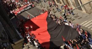 """[Fotos] CGT pren el carrer el 1r de Maig a València """"contra l'atur i la corrupció"""""""