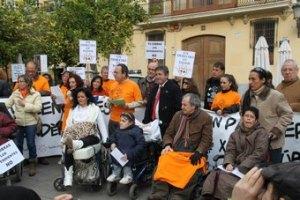 1915813-Una_de_las_multiples_movilizaciones_realizadas_en_protesta_por_el_sistema_de_copagos_del_Consell.__Version2