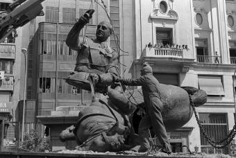 Retirada_estatua_Franco_Valencia