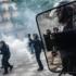 Intervención de la Policía en la manifestación del 14-J en París. TERESA SUÁREZ